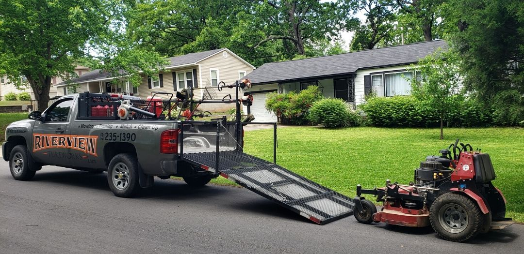 Riverview Turfworks lawn mowing service